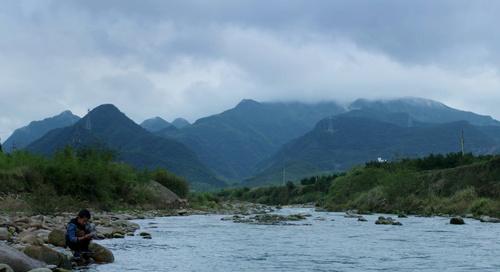浙传毕业作品《河的那一边》