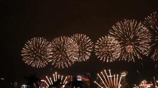 2017年香港跨年烟火表演 维多利亚港烟火