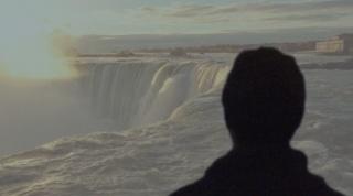 玛格南图片社的摄影师在世界最大的瀑布旁,收集着爱情的故事。