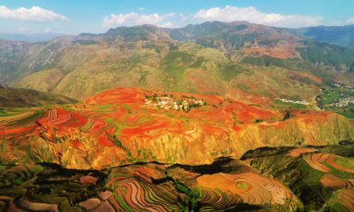 【道通传媒】上帝的调色板-七彩红土地