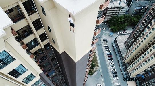 """""""中国超胆侠""""作死飞跃50楼,胆小慎点"""