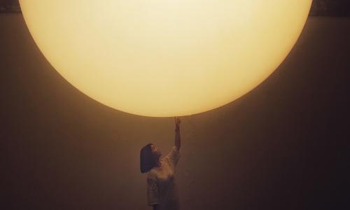 北漂青年:我亲手触摸了月亮