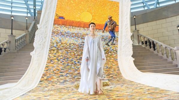 艺视中国丨能打造16亿票房的《港囧》电影美术是什么样的 郝军