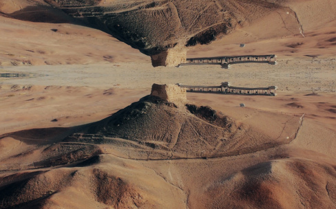 绝美4K航拍镜像短片《对立世界》