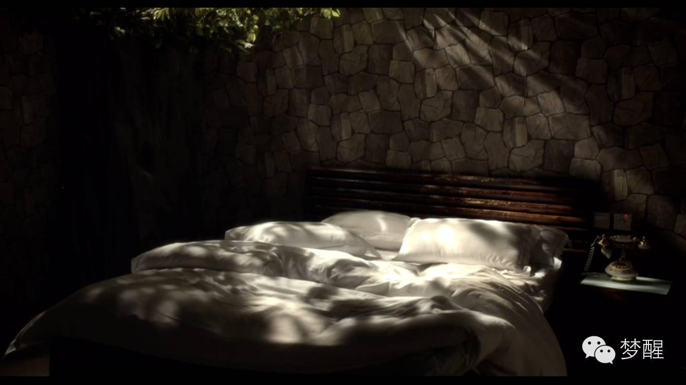 午夜剧场十八禁片_看得见风景的房间--看了又一部禁片深深致郁了