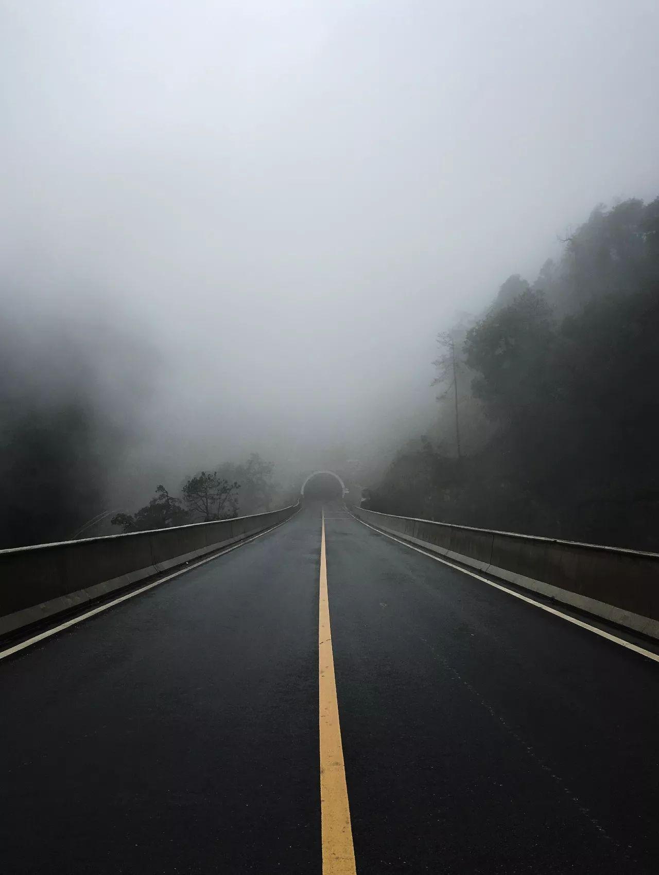 路_壁纸 道路 高速 高速公路 公路 桌面 1280_1701 竖版 竖屏 手机