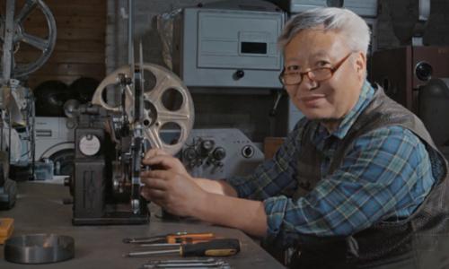 中国版天堂电影院的老爷子,收藏400多台世界各国的放映机