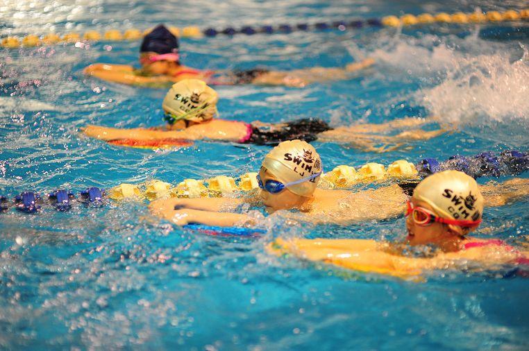游泳运动.jpg